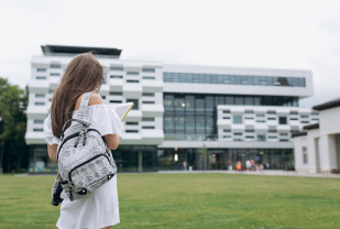 Living on-Campus vs. off-Campus: a Comprehensive Guide
